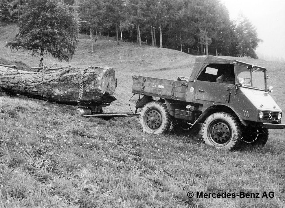 unimog u25, model series 401 moving logs