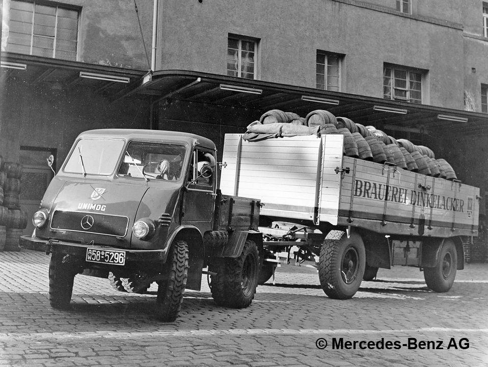 unimog u25, model series 401 tractor unit and handling vehicle of a stuttgart brewing company