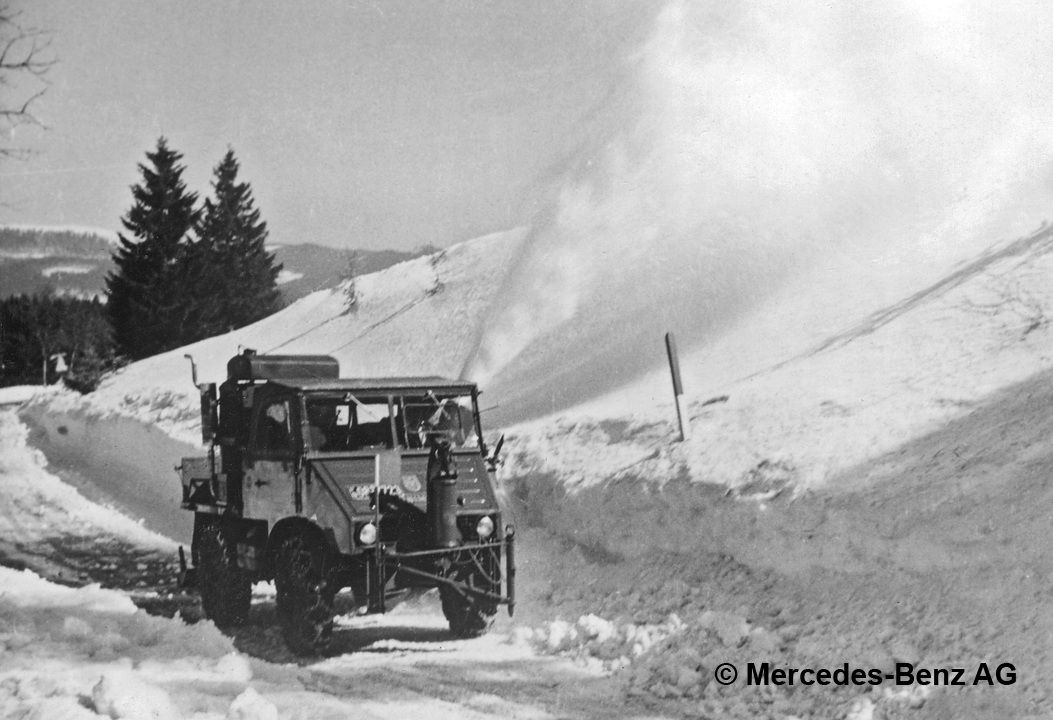 unimog u25, model series 401 with schmidt snow blower and auxiliary engine