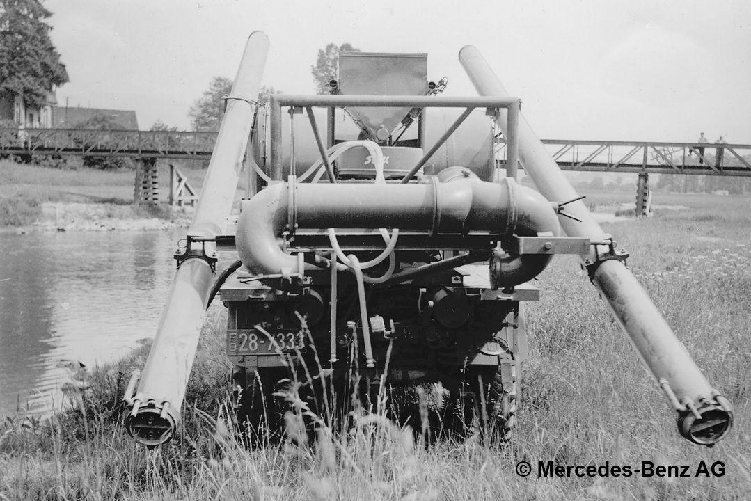 unimog u25, model series 401 with stoll blower equipment