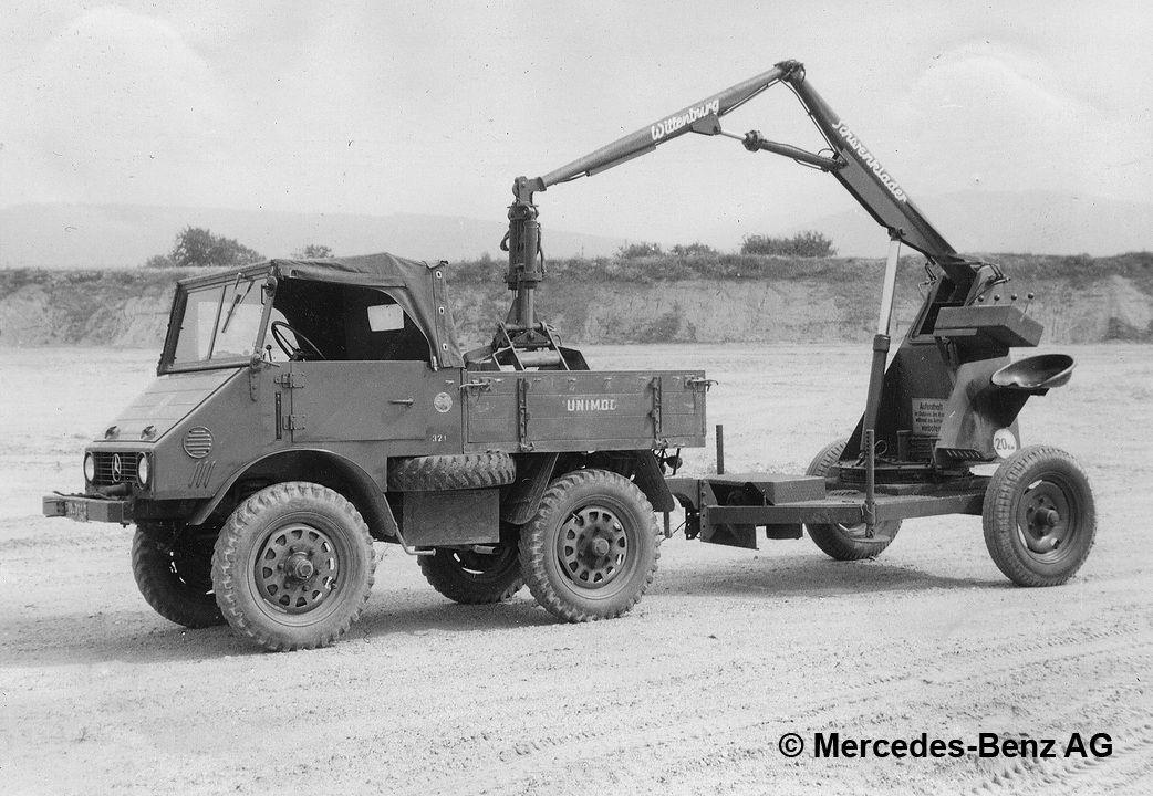 unimog u25, model series 401 with wittenburg towed swivel loader