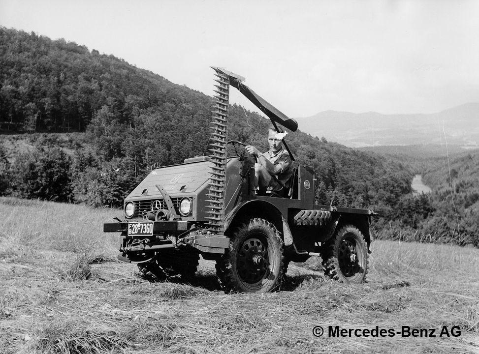 unimog u25, model series 401 with mower boom