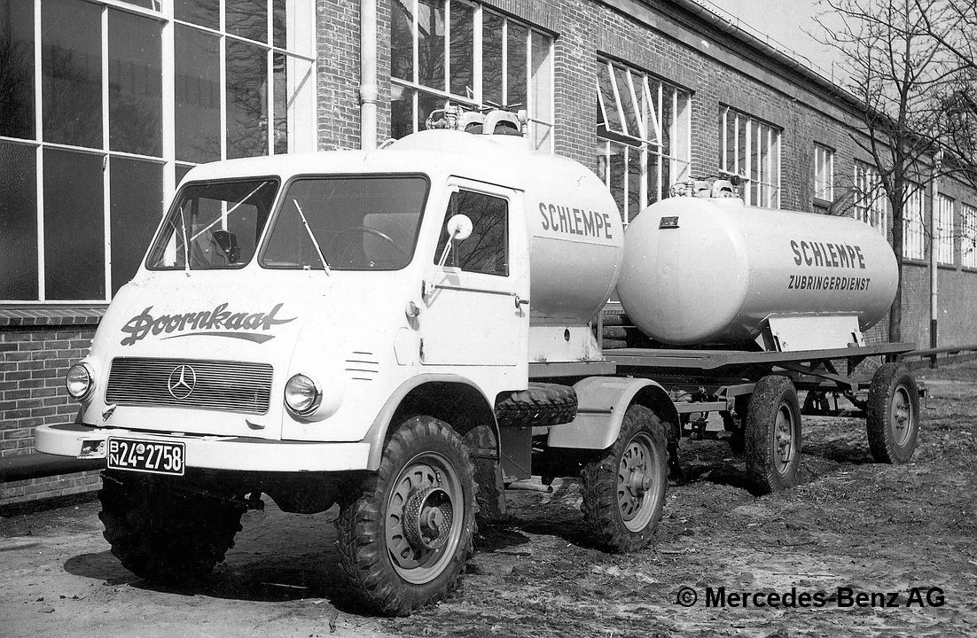 unimog u25, model series 401 with trailer and removable tanks for schlempe, used in the production of spirits