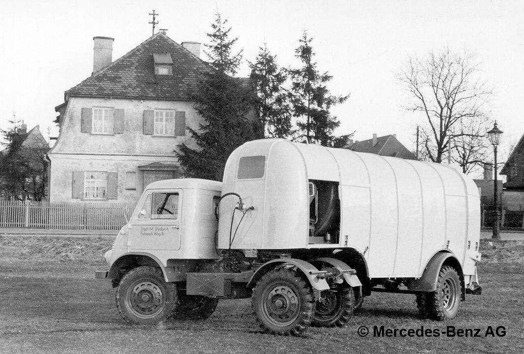 unimog u25, model series 402 tractor unit version with kuka refuse collector semi trailer for 6 8 cubic metres of waste