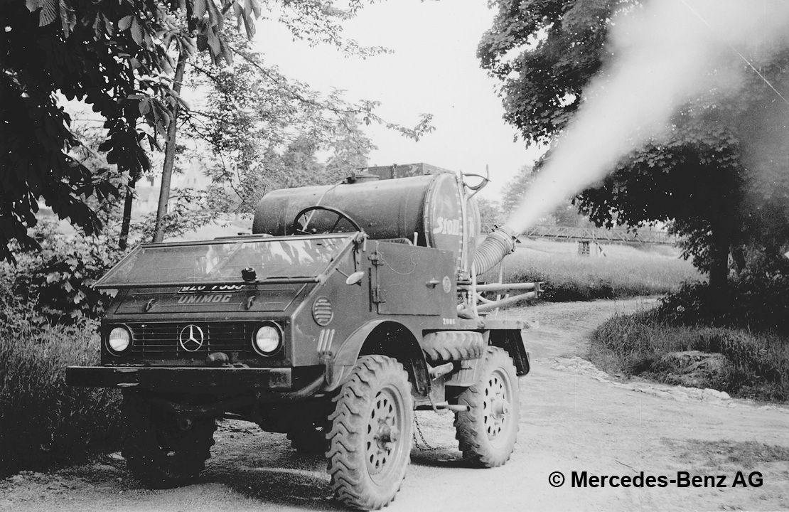 unimog u25 series 401 with stoll blower equipment