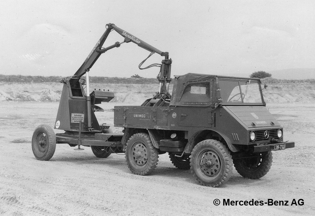 unimog u25 series 401 with wittenburg towed swivel loader
