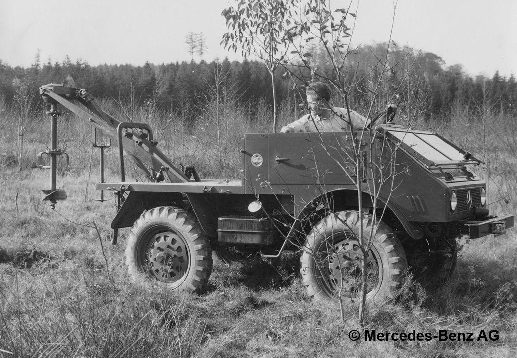 unimog u25 series 401 with rear mounted drill