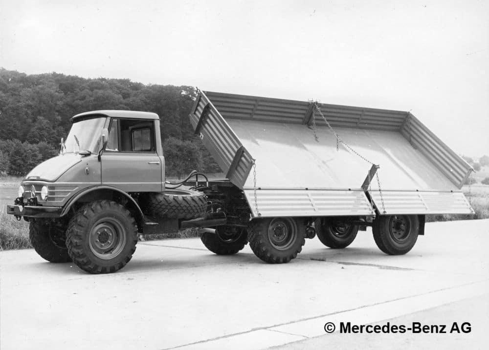 unimog u80 série 416 version semi remorque avec remorque à plate forme à 1 essieu